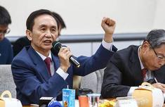 吴子嘉:被开除党籍是小鬼放枪 绿营20年执政?#23578;?#35805;