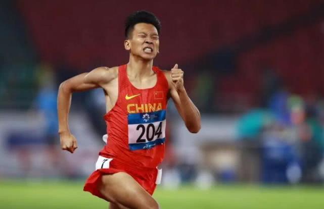 李俊霖打破室内赛男子800米全国纪录 成绩可排亚洲赛季第1