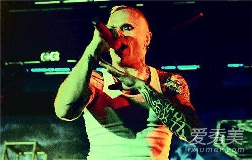 超凡乐队主唱逝世死因疑为自杀 超凡乐队主唱去世怎么回事年仅49岁