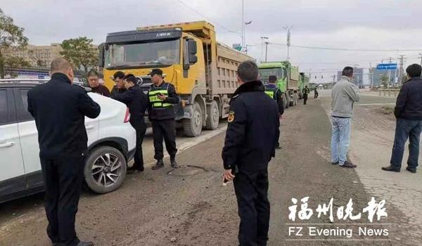 福州滨海新城核心区集中整治建筑垃圾违规处置