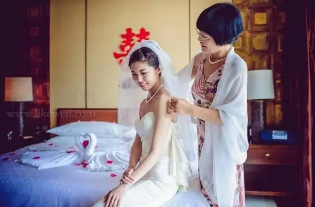婚礼上母亲妆容着装全攻略!化妆师快收了!