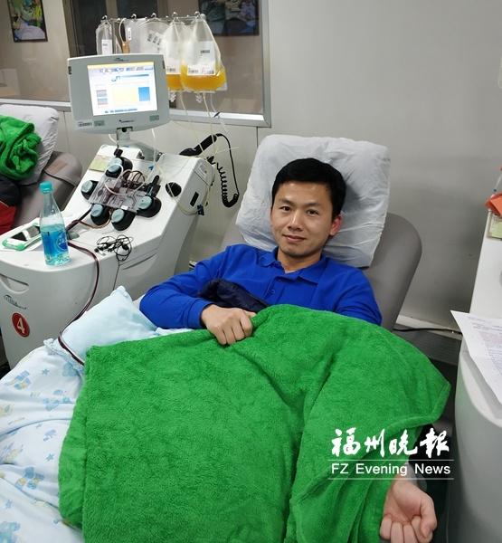 """""""80后""""公务员6年献血3万毫升 相当于7人总血量"""