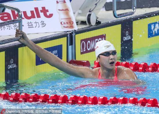 王简嘉禾打破纪录 1500米自由泳成绩15分46秒69