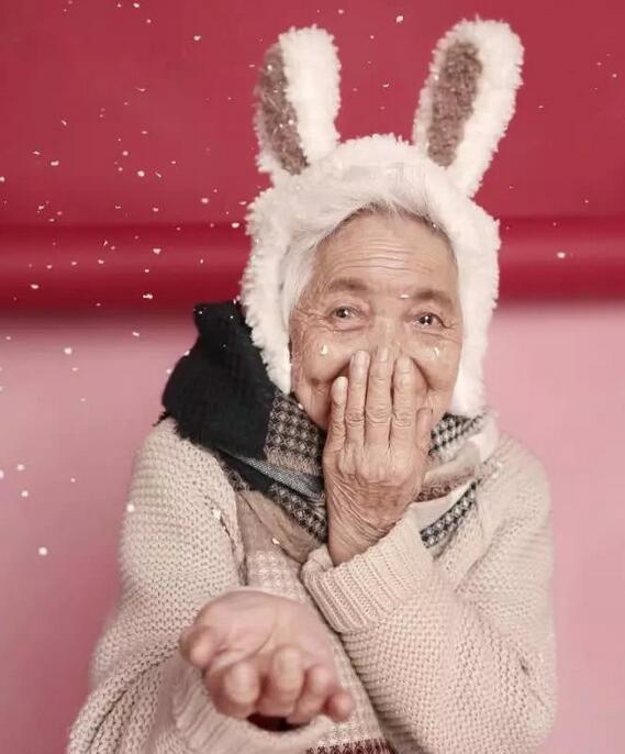 87岁少女系写真
