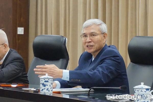 """【台湾央行总裁杨金龙】台湾""""央行""""总裁杨金龙:2019台湾经济成长趋缓"""