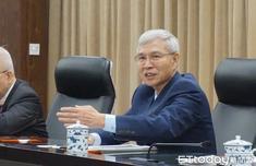 """台湾""""央行""""总裁杨金龙:2019台湾经济成长趋缓"""