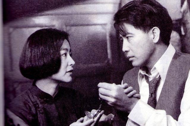 林青霞否认离婚,称幸福美满,和秦汉传领证太离谱