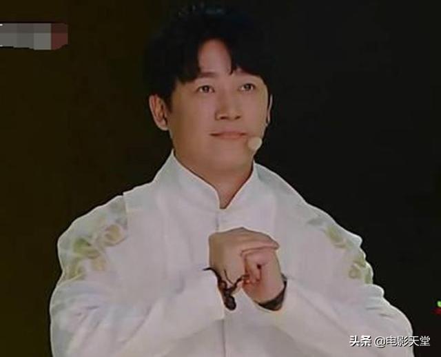 """黄轩和王凯的""""世纪握手"""