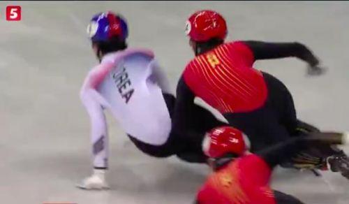 武大靖:让短道速滑的场地干净一点 打铁还需自身硬
