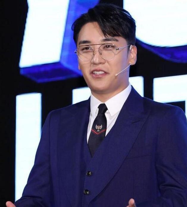 韩警方确认胜利性招待聊天记录属实,14天前YG否认过,网友:打脸