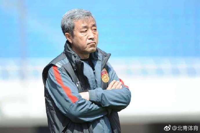 曝里皮亚洲杯团队全部留任 老领队刘殿秋继续任职