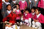 福建连城:提线木偶表演走进幼儿园