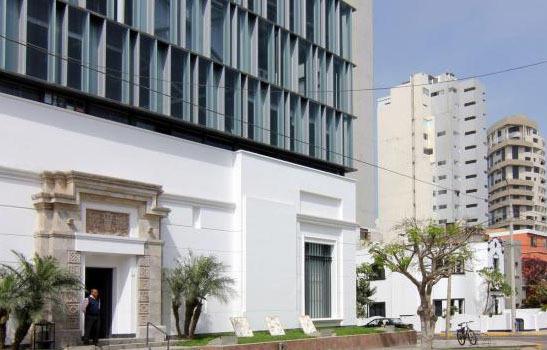 """秘鲁卫生部:禁止在学校销售""""三高""""食品和饮料"""
