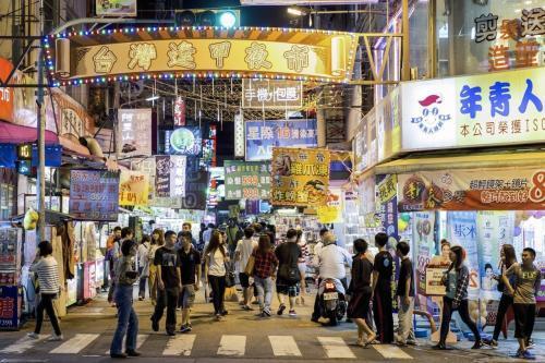 调查:台湾逢甲商圈人潮再降 系11年来最低点