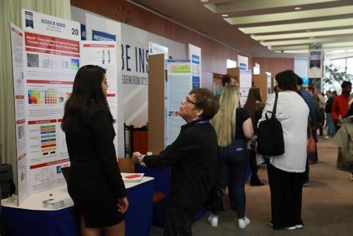 雷杰纳隆科学奖公布 美国九名华裔学生入围前40名