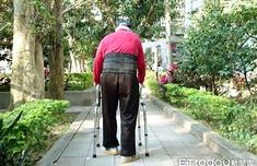 未來50年臺灣老年人口數大增 青壯年扶養重擔加重