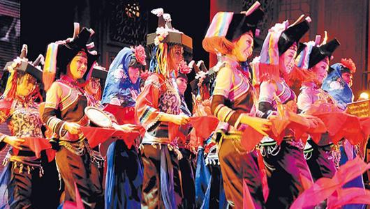 泉州:歌舞剧《古厝娶亲》演绎闽南婚礼大观
