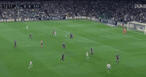 巴萨4-1贝蒂斯梅西上演帽子戏法 苏亚雷斯伤退