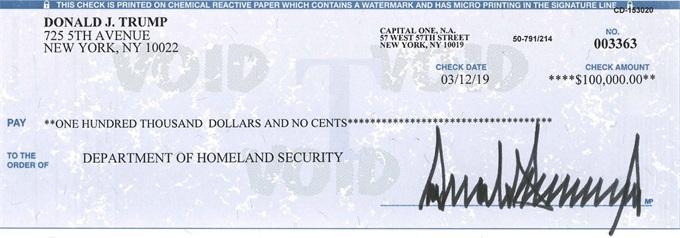 特朗普推特曬支票什么情況?特朗普為什么在推特上曬支票詳情