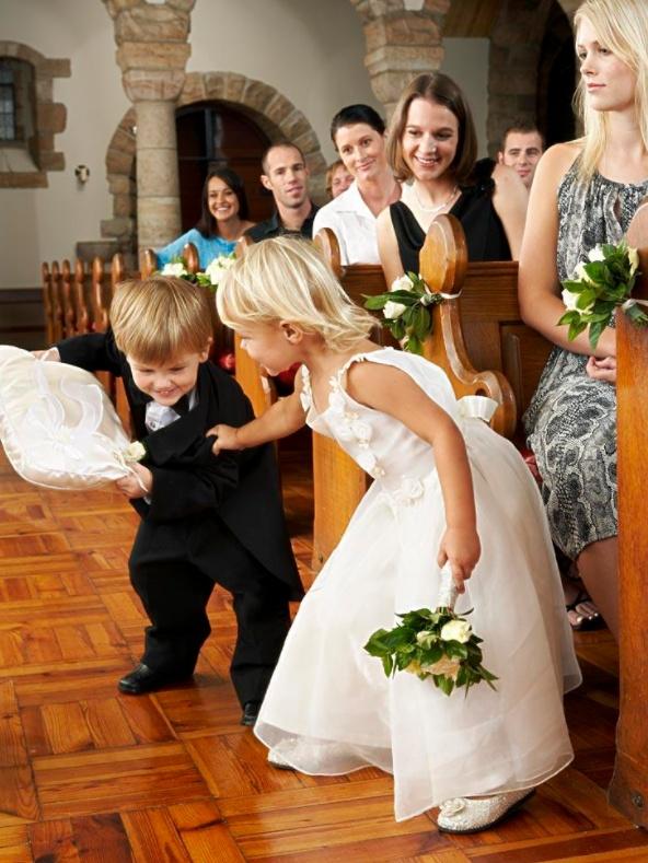 婚礼上的小花童怎么选 花童需要在婚礼做些什么