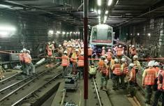 中环事故列车被拖走 港铁荃湾线恢复正常通行