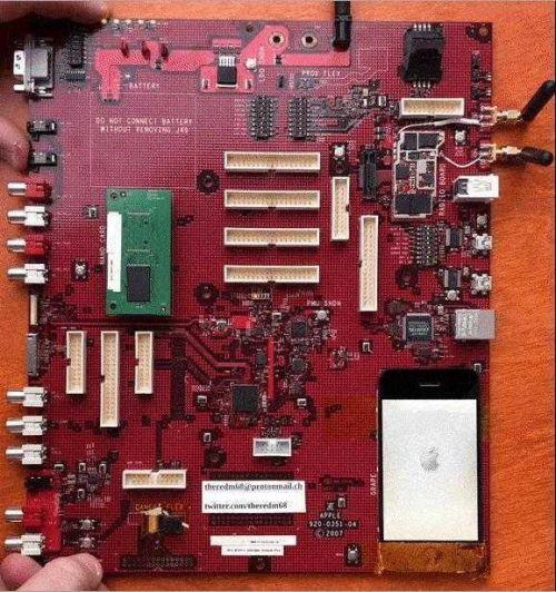 初代iPhone原型机什么样的?初代iPhone原型机主板曝光用了哪些配件
