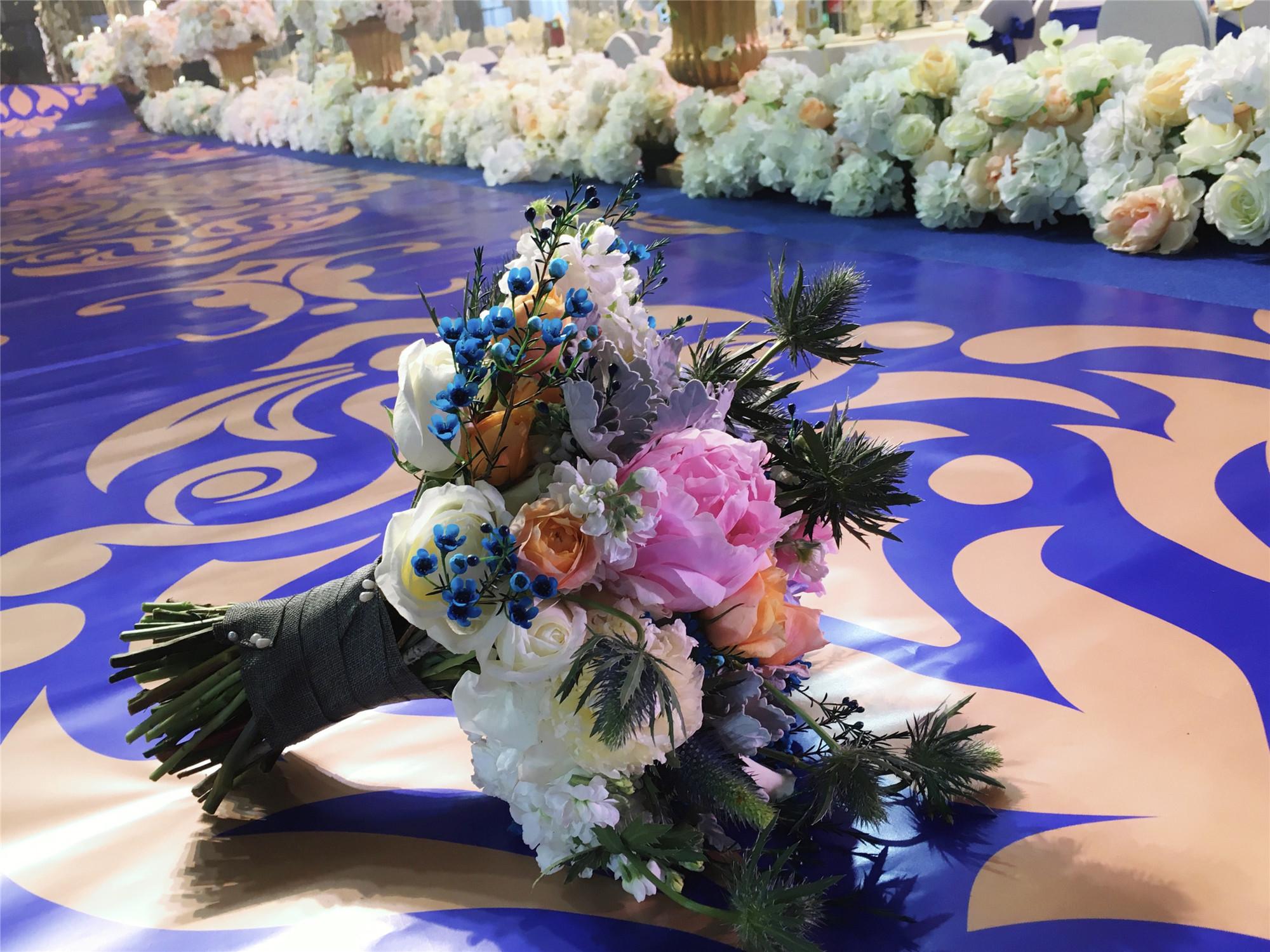 浪漫婚礼 让这份烛光婚礼满足你的一切幻想!