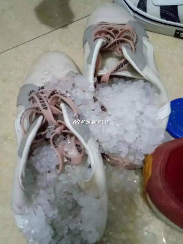 桂林突遭冰雹襲擊嚴重嗎?桂林突遭冰雹襲擊怎么回事現場高清圖