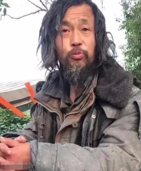 【上海街头流浪大师真实身份】流浪大师真实身份曝光并没有网上传的那么神奇 沈巍个人资料