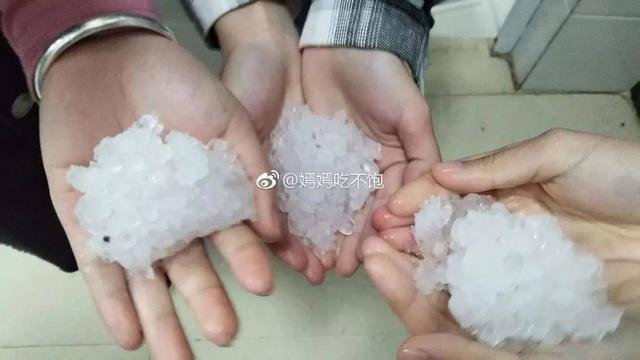 桂林突遭冰雹袭击现场图曝光 桂林冰雹袭击后一片狼藉