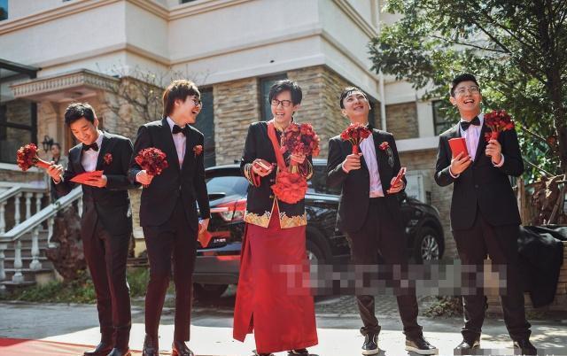 王思聪送劳斯莱斯怎么回事 还帮开车门 酒神是谁结婚排场这么大