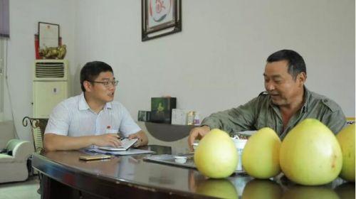 """国网故事汇:小年轻成了村民致富""""贴心人"""""""