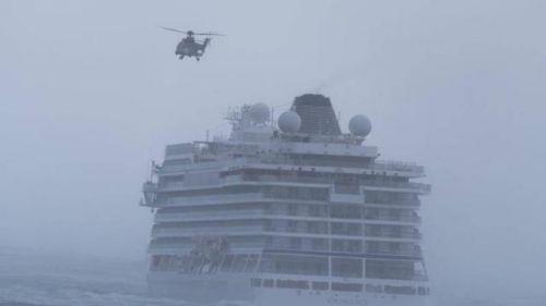 挪威邮轮引擎故障怎么回事 载有1373人邮轮面临失控危险