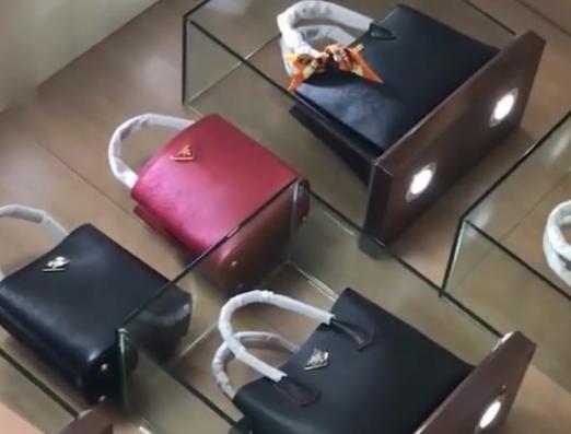 网红带货合作方式|网红带货卖高仿怎么回事 怎么判断自己买的包是真的假的?