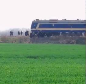 [安徽火车三轮相撞最新消息]安徽火车三轮相撞最新消息 火车三轮为什么相撞 死伤者是什么关系