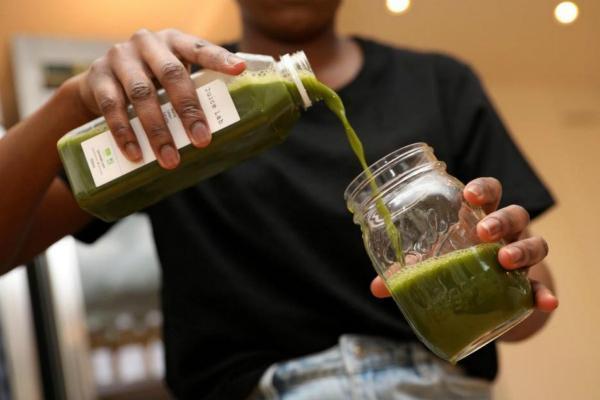 """[蔬菜汁的做法大全]蔬菜汁并非排毒""""神器""""? 法国营养专家这么说"""