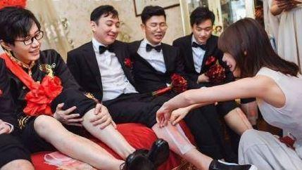 王思聪被撕腿毛怎么回事?王思聪给酒神当伴郎实在太拼了!