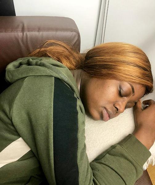 女孩患罕见睡美人综合症 : 一觉可能连续睡 3 周