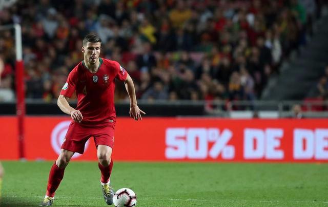 拜仁签下卢卡斯怎么回事?卢卡斯是谁拜仁为什么能砸天价签他