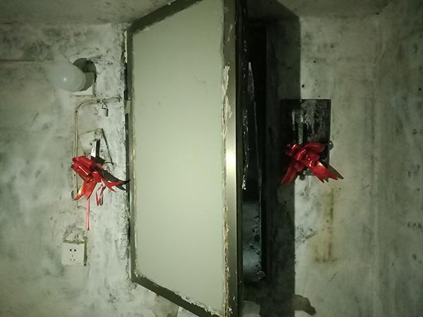 """囚禁性侵16岁少女地洞曝光,不足4平,日记上写""""我的女人"""""""