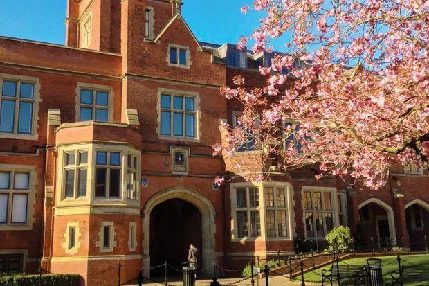 剑桥大学承认中国高考成绩和北大清华抢学霸