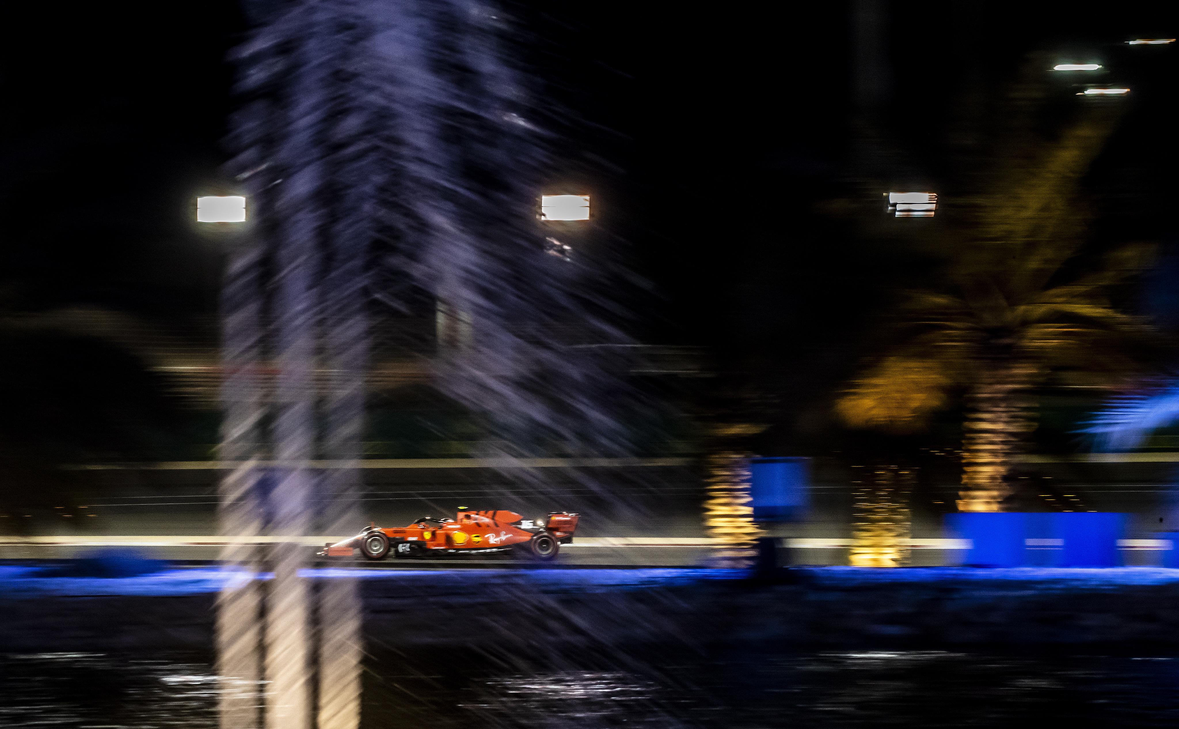 F1巴林大奖赛:法拉利车队勒克莱尔夺得杆位