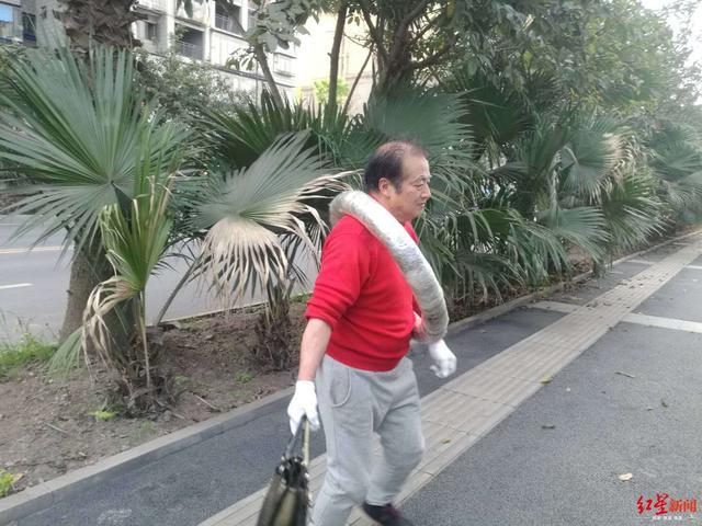 旋转跑完马拉松是怎么做到的 68岁老人旋转跑完6.5公里练23年