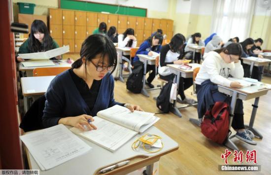 韩中学生基础学业水平大跌 现任政府教育政策受质疑