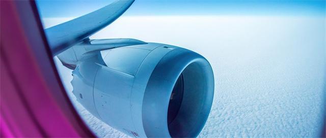 电脑故障!美国航空系统瘫痪 仅西南航空就600多个航班延误40分钟