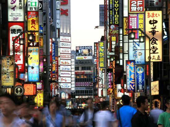 """日本为加班时长设上限 应对企业""""加班文化"""""""