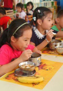 [台中一中街]台中一中小学师生疑食物中毒 共84人出现症状