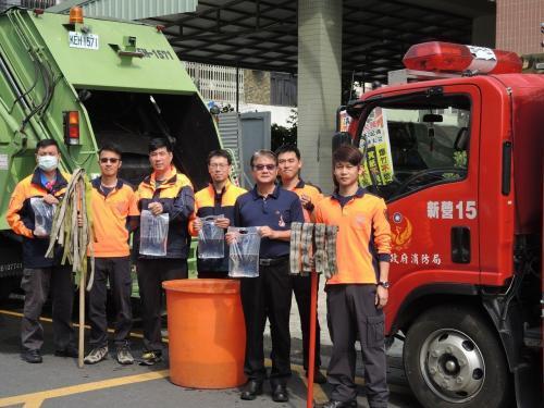 """台南消防局提醒民众:别让让扫墓节变""""烧墓节"""""""