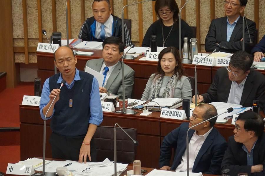 民进党逼韩国瑜签不选2020文件 网友怒骂:无耻