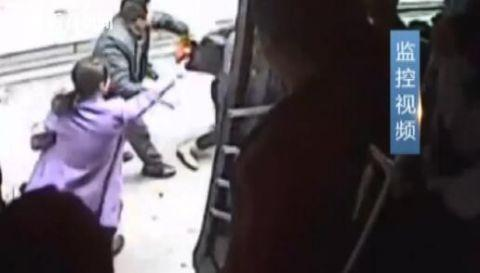 偷女警手机的后果是什么?男子是怎么偷女警手机的最后抓住了吗